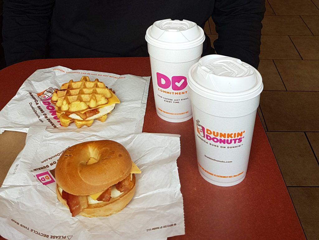 Desayuno en Dunkin Donuts