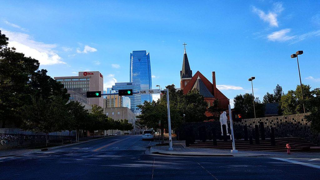 Etapa 5 de la Ruta 66: Iglesia al lado del memorial de Oklahoma City