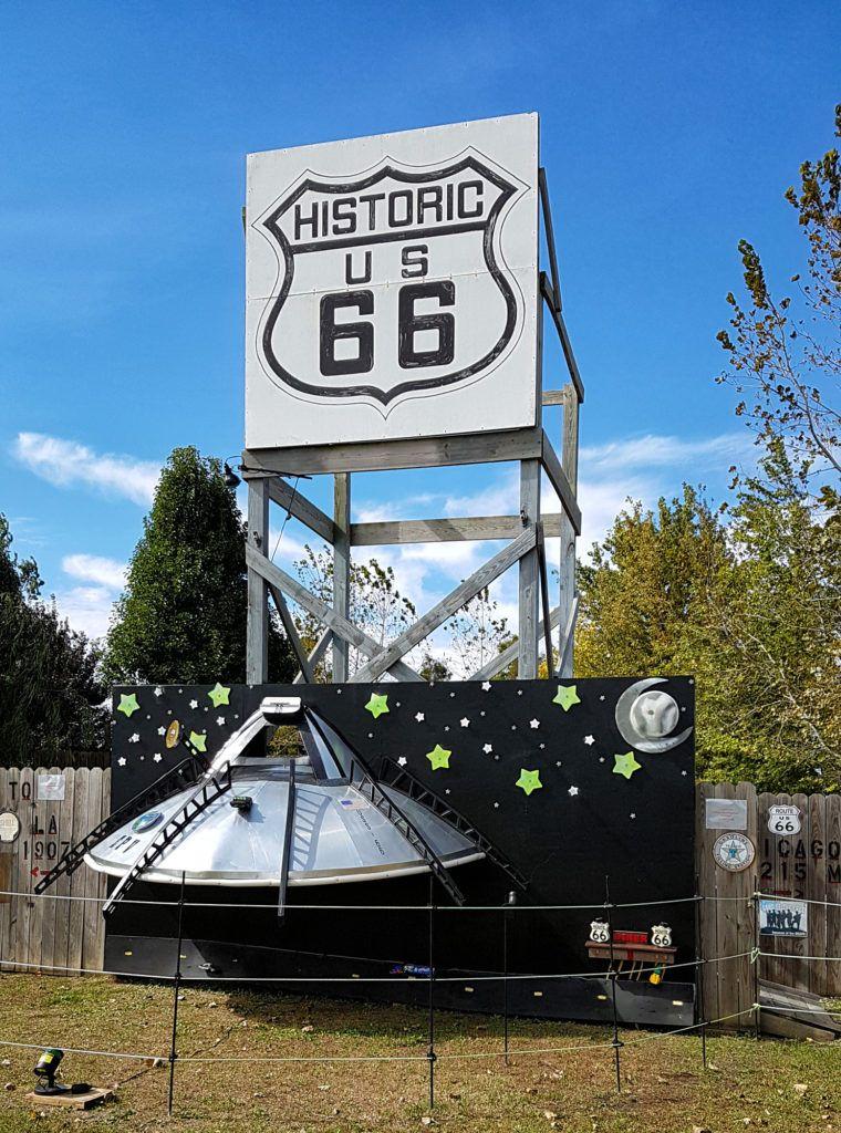 Etapa 2 de la Ruta 66: Nave espacial en Divernon
