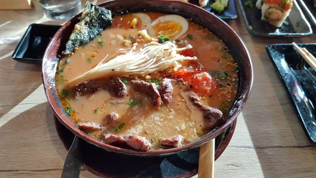 Dónde comer en la Ruta 66: Karma Sushi Bar & Grill - Mejores restaurantes de la Ruta 66: Karma Sushi Bar & Grill