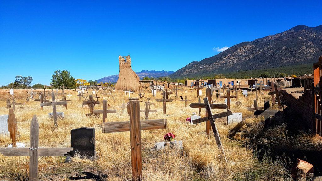 Al norte de Santa Fe se encuentra el pueblo de Taos