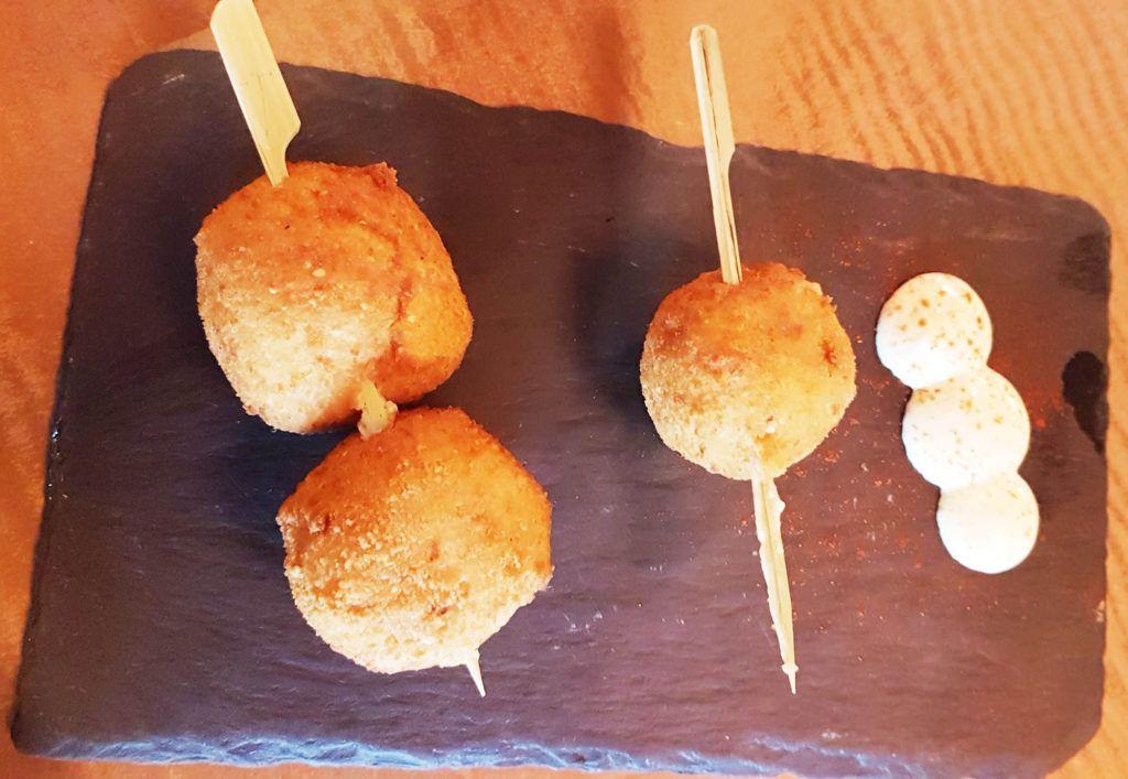 croquetas de jamón en La Fábrica