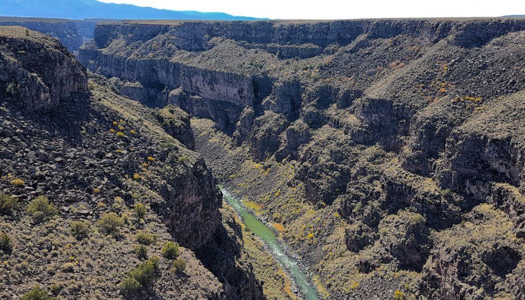 Cerca de Santa Fe podemos encontrar el Cañón del Río Grande