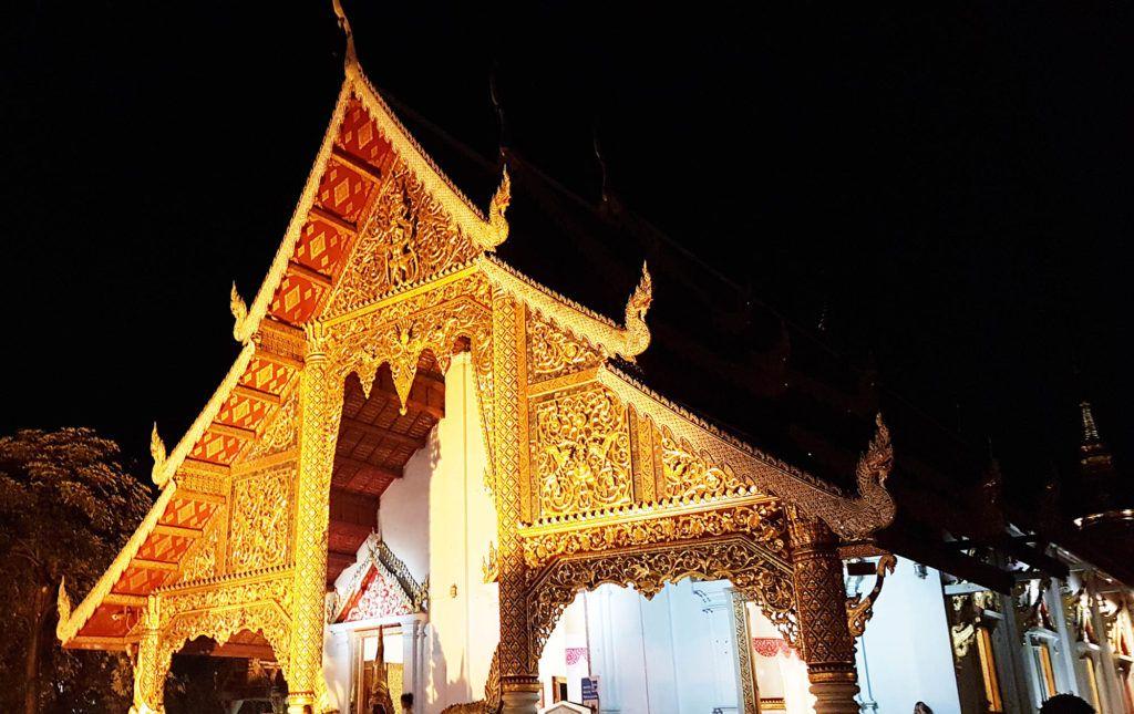 Qué ver en Chiang Mai: Wat Phra Singh - Cómo ir de Chiang Rai a Chiang Mai