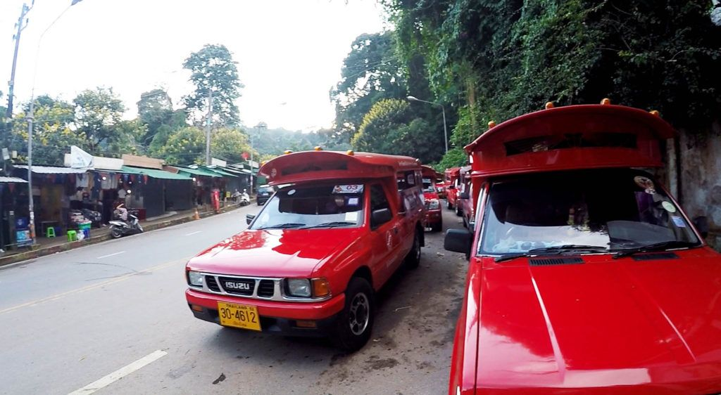 Cómo moverse por Chiang Mai: furgonetas rojas