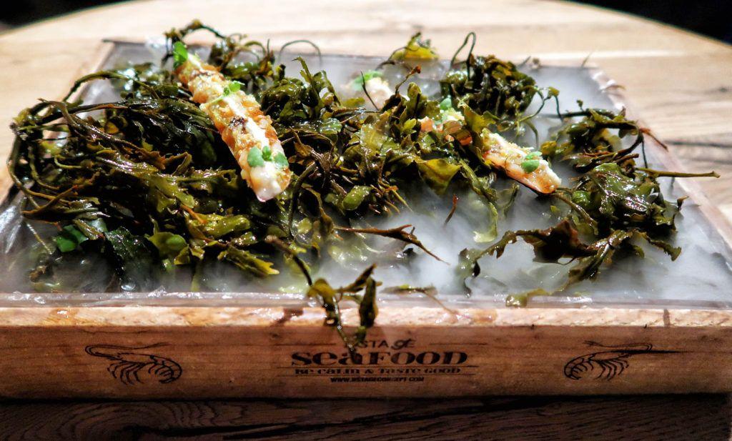 Restaurante dStage - Navajas al natural con dashi de apio, y leche de almendra