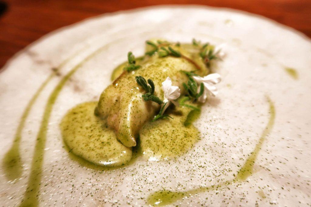 Restaurante dStage - Kokotxa de salmón y mantequilla de algas
