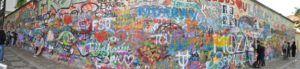 Qué ver en Praga: Muro de John Lennon
