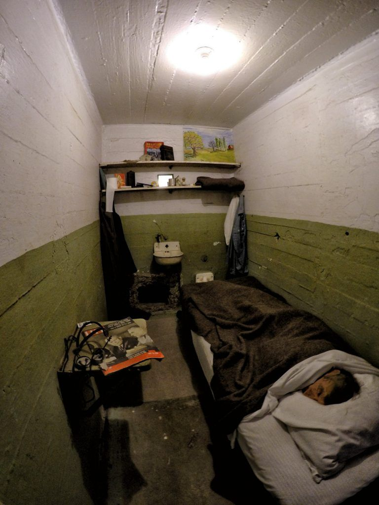 Visitar Alcatraz: Reconstrucción de una celda ocupada