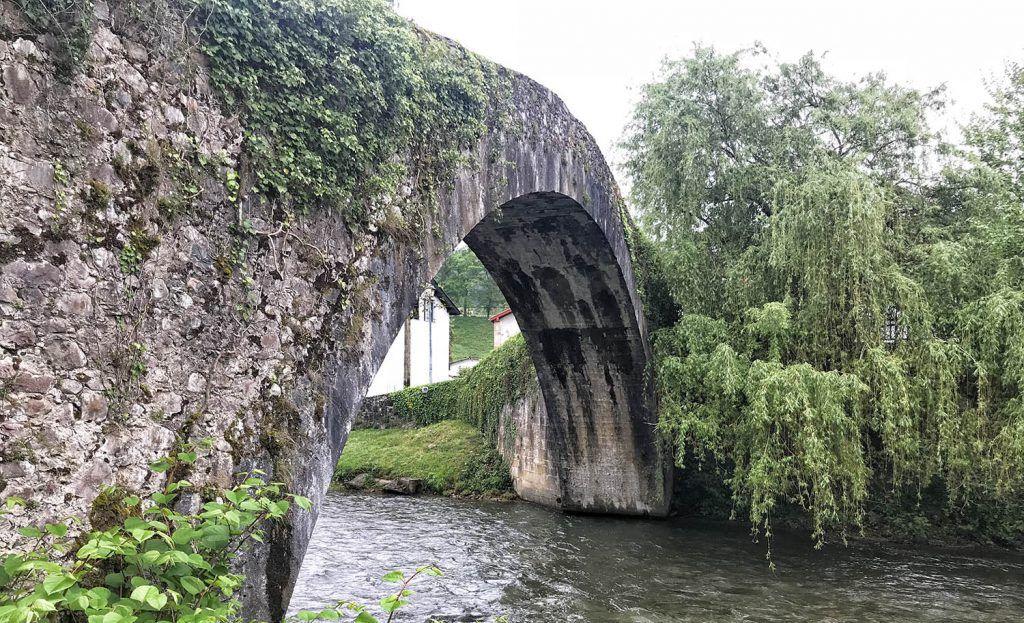 Bayona - Pau: Saint Étienne de Baigorry