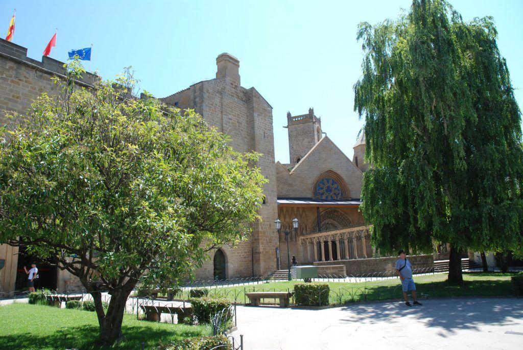 Navarra Media: Castillo Palacio de Olite