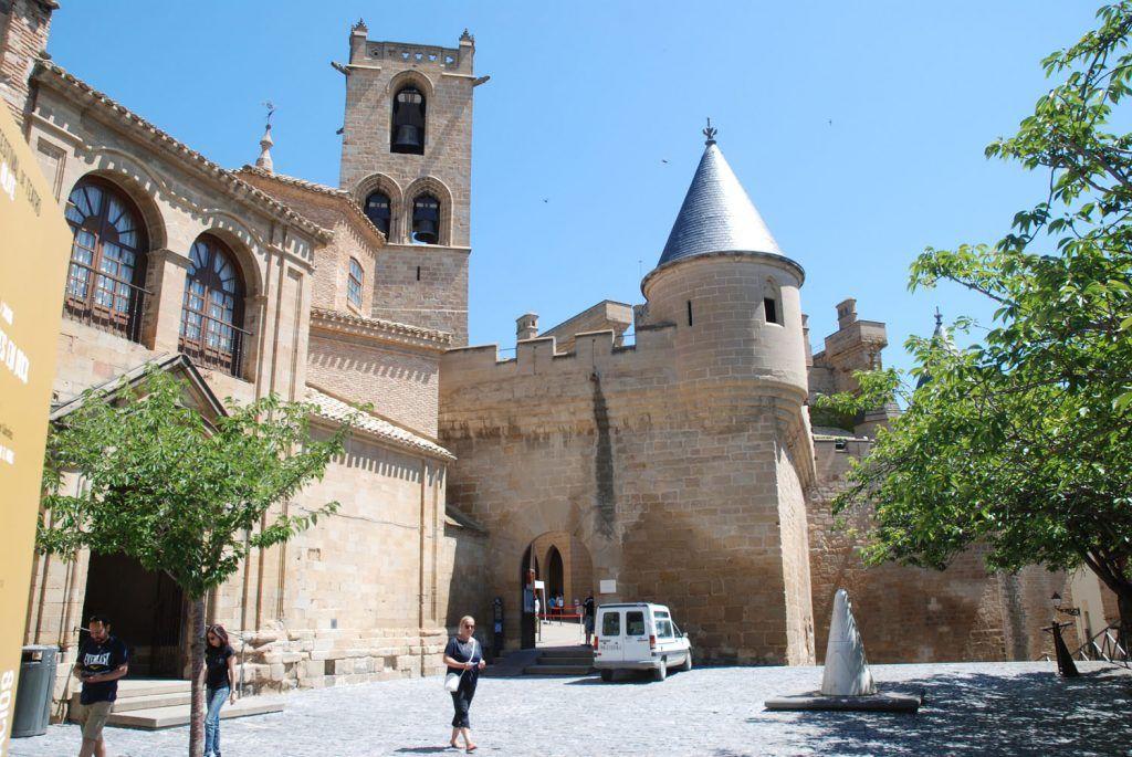 Navarra Media: Torre del Capitel del Castillo de Olite