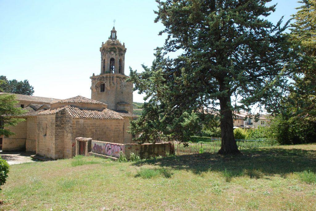 Navarra Media: Iglesia del Crucifijo en Puente la Reina