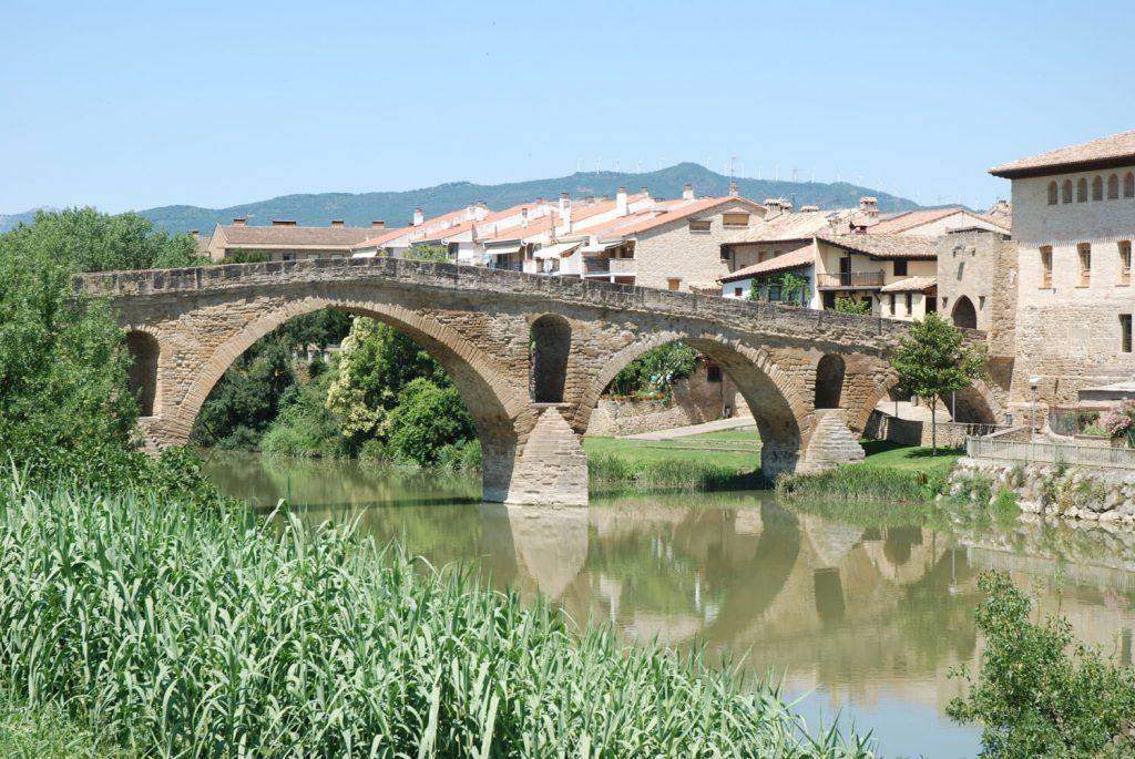Navarra Media: Puente romano en Puente la Reina
