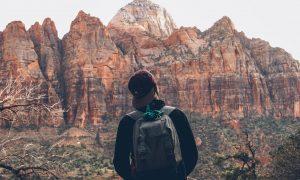 Cómo hacer la mochila para un viaje de montaña [+ CHECKLIST GRATIS]