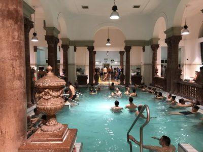 Baños en Budapest: mejores balnearios, precios e info útil
