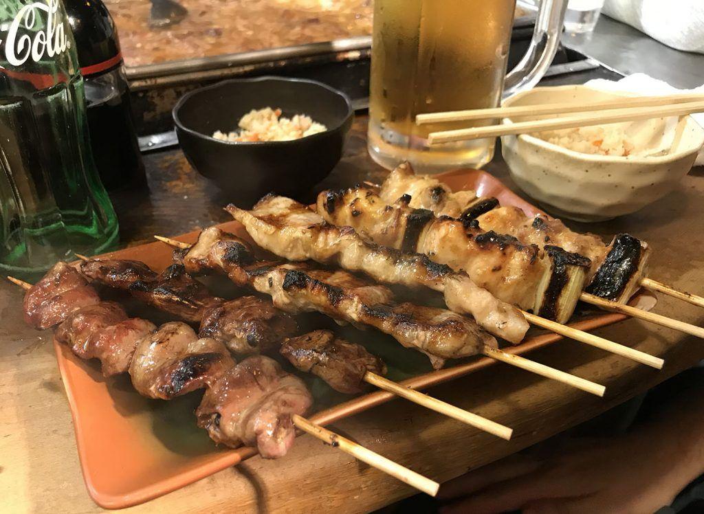 Dónde comer en Tokio: Omoide Yokochō - dónde comer en Japón