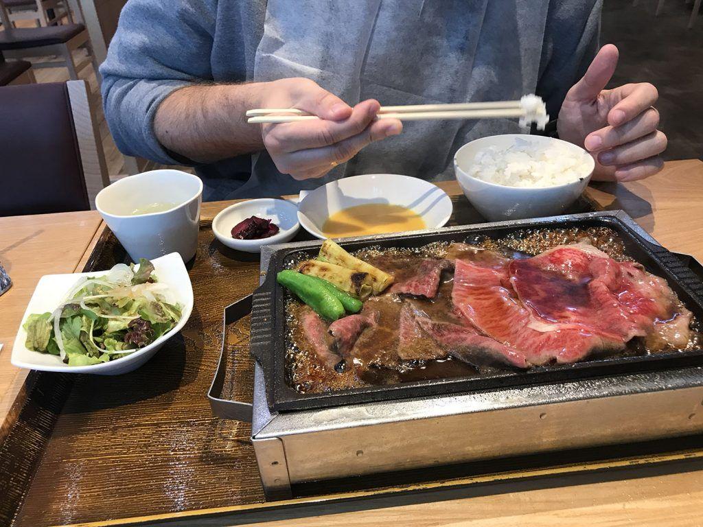 Dónde comer en Tokio: Yanma Yakiniku - dónde comer en Japón