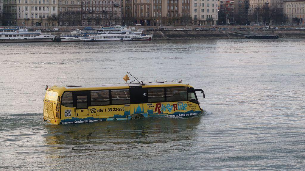 Transporte en Budapest: autobús flotante