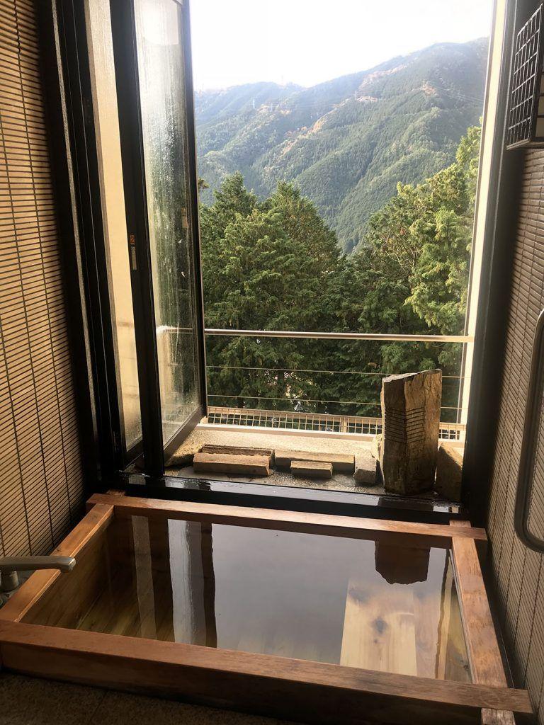 Dormir en un ryokan: nuestro baño en Gero
