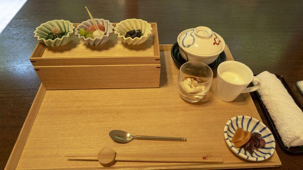 Desayuno japonés en el Iwaso