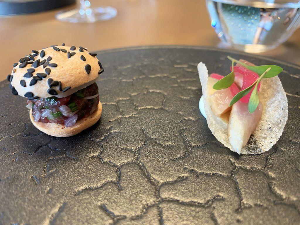 Retama: taco de caballa y mini hamburguesa