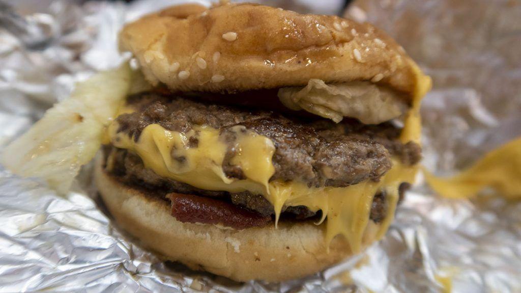 ¿Dónde está la mejor hamburguesa de Nueva York? Five Guys - Comer barato en Nueva York