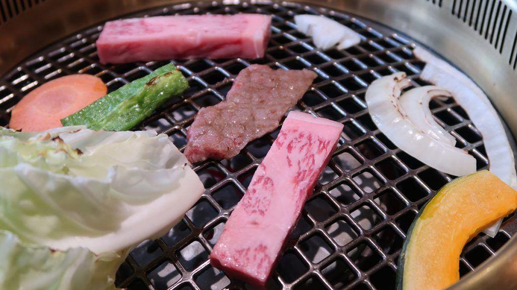Dónde comer en Takayama: buey de Hida en Maruaki