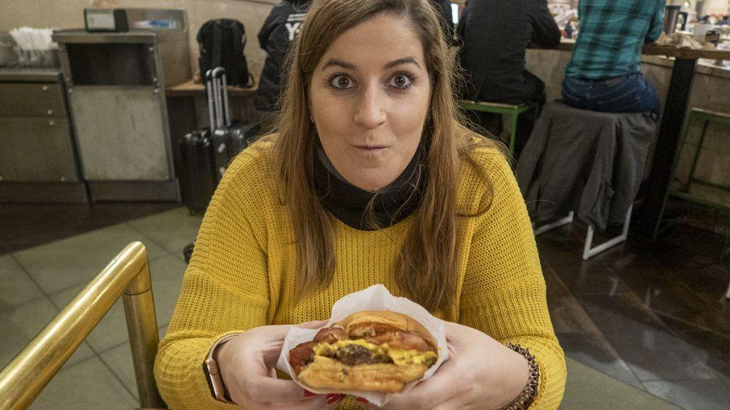 ¿Dónde está la mejor hamburguesa de Nueva York? Shake Shack - comer barato en nueva york