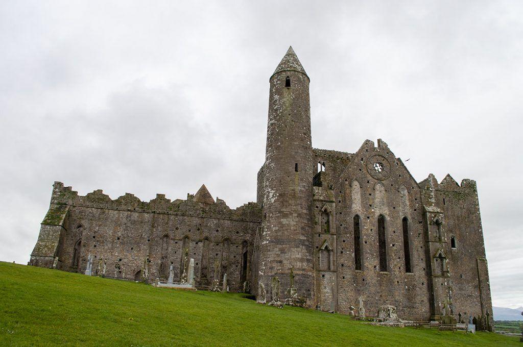 Qué ver en Irlanda: Rock of Cashel