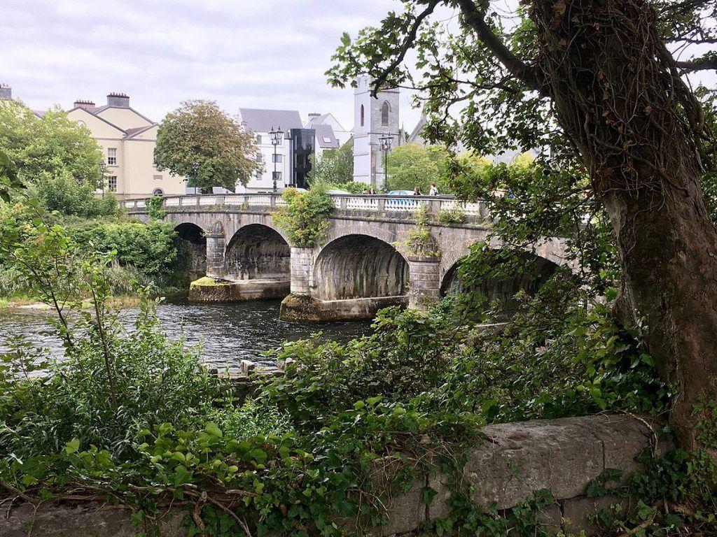 Qué ver en Galway: Puente Salmon Weir