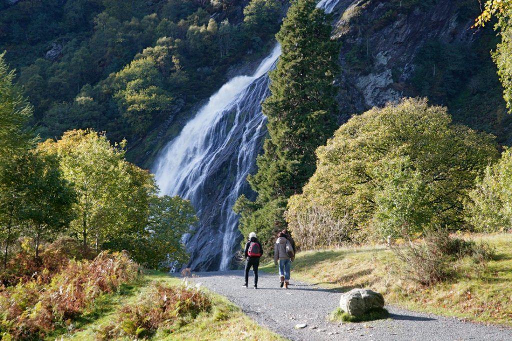 Primera etapa de nuestra ruta por Irlanda: cascada de Powerscourt Estate