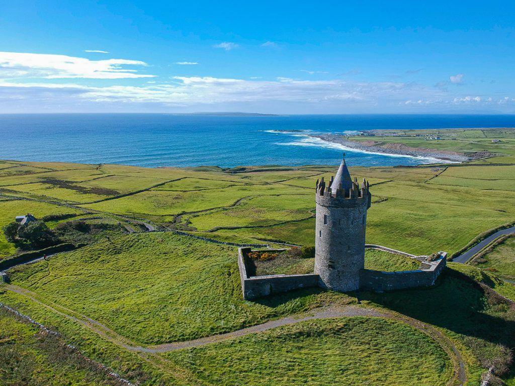 Cuarta etapa de nuestra ruta por Irlanda: Doonagore Castle