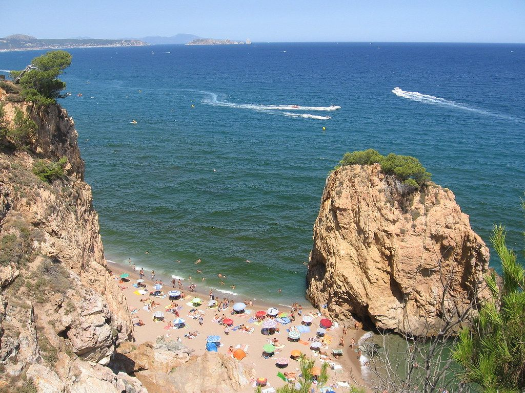 Las playas más bonitas de España: Playa Illa Roja