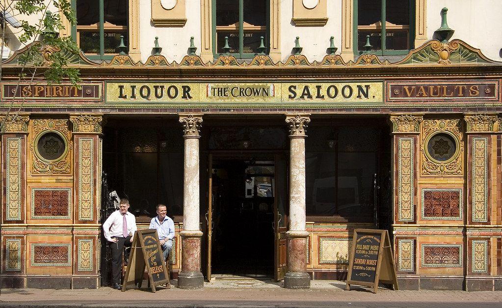 Qué ver en Belfast: The Crown Bar