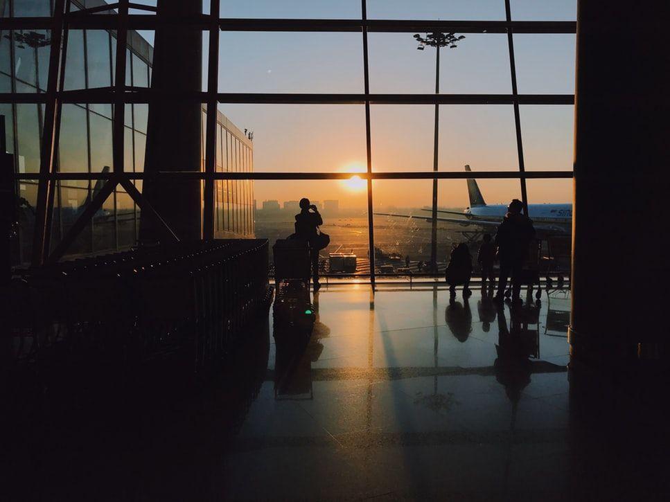 ¿Qué pasa si pierdes un vuelo de conexión?