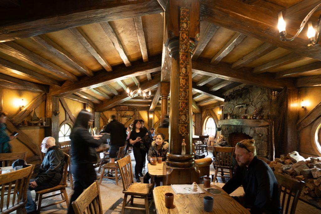 Visitar Hobbiton: taberna del Dragón Verde