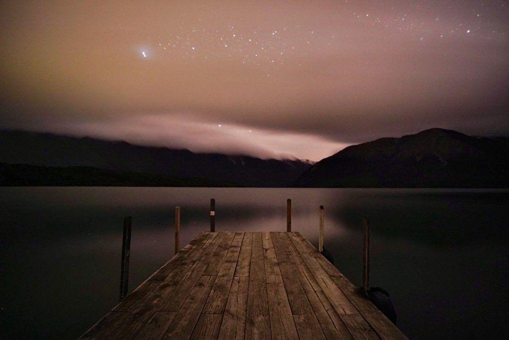 Etapa 4 por NZ entre Wellington y Nelson Lakes: Lago Rotoiti de noche