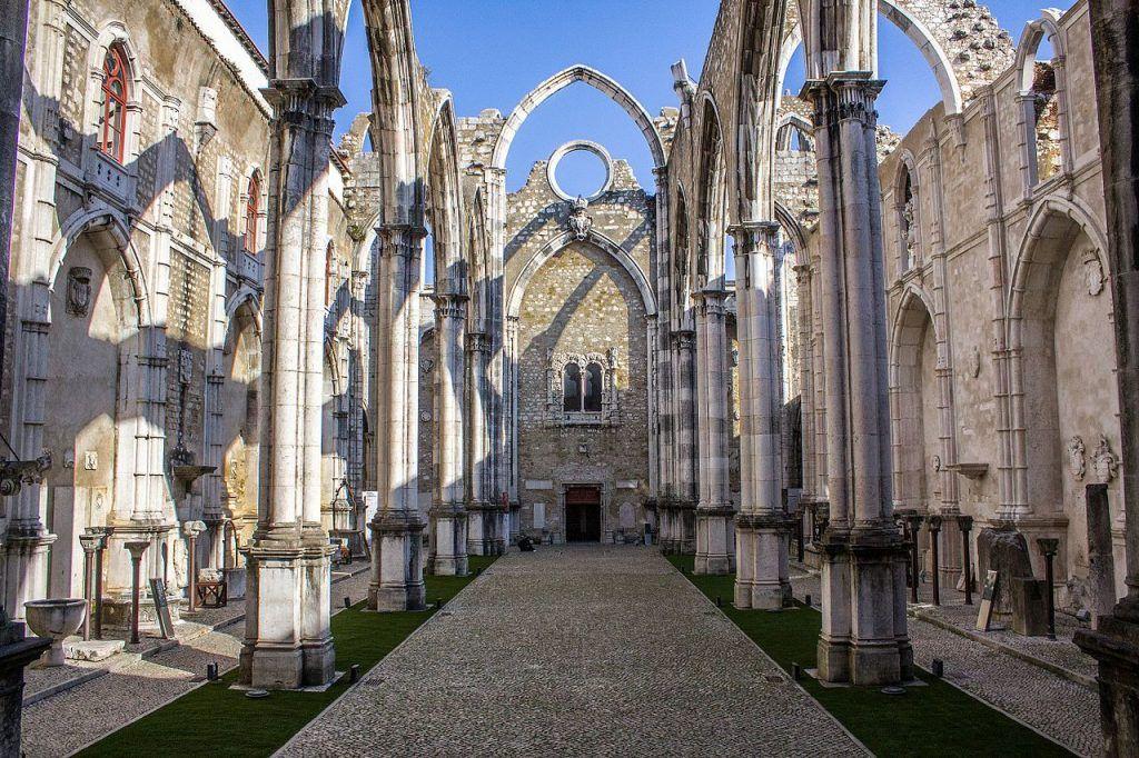 Qué ver en Lisboa: convento do Carmo - imprescindibles en Lisboa - lisboa card