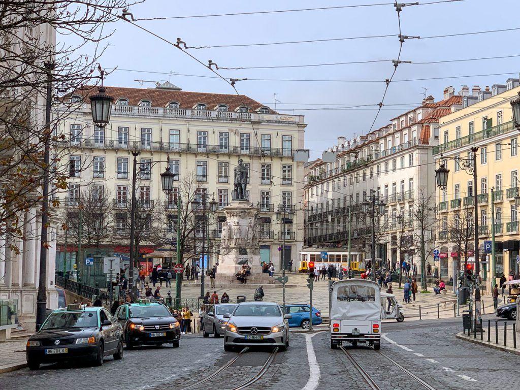 Qué ver en Lisboa: Chiado y Barrio Alto - imprescindibles en Lisboa - dónde dormir en Lisboa