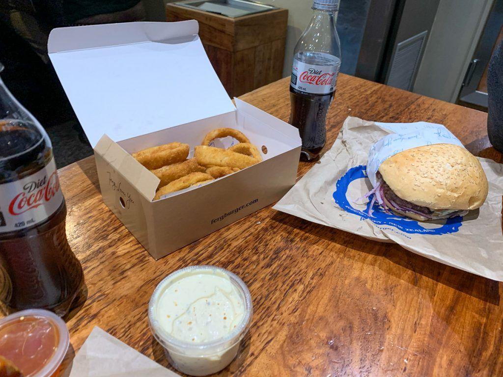 Qué hacer en Queenstown: comer una hamburguesa en Fergburger - cuánto cuesta un viaje a Nueva Zelanda