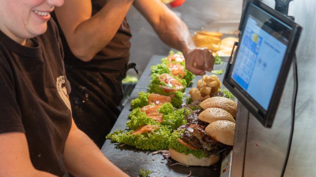 Qué hacer en Queenstown: comer una hamburguesa en Fergburger
