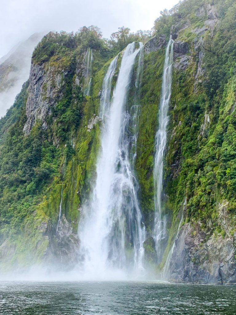 Crucero por Milford Sound: cascadas que encontrarás por el camino