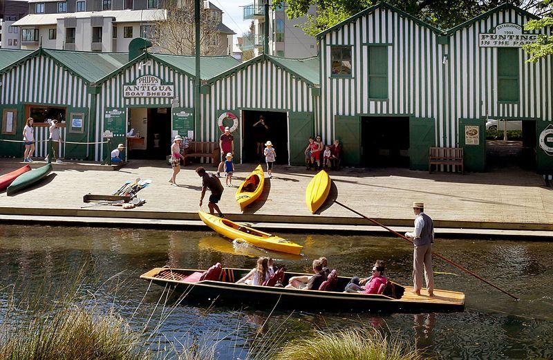 Qué hacer en Christchurch: alquilar una barca para remar por el río Avon