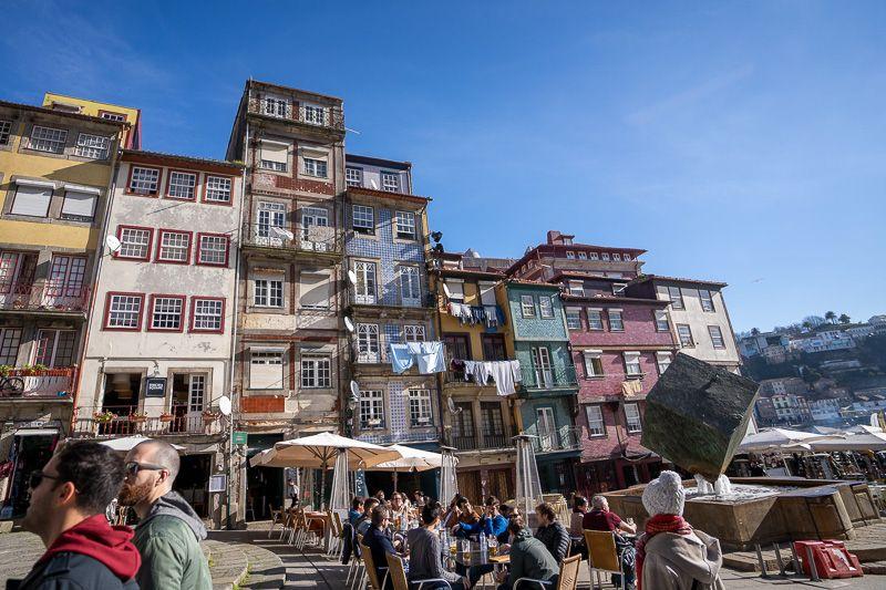 Qué ver en Oporto: Cais de Ribeira - dónde dormir en Oporto - barrios de Oporto