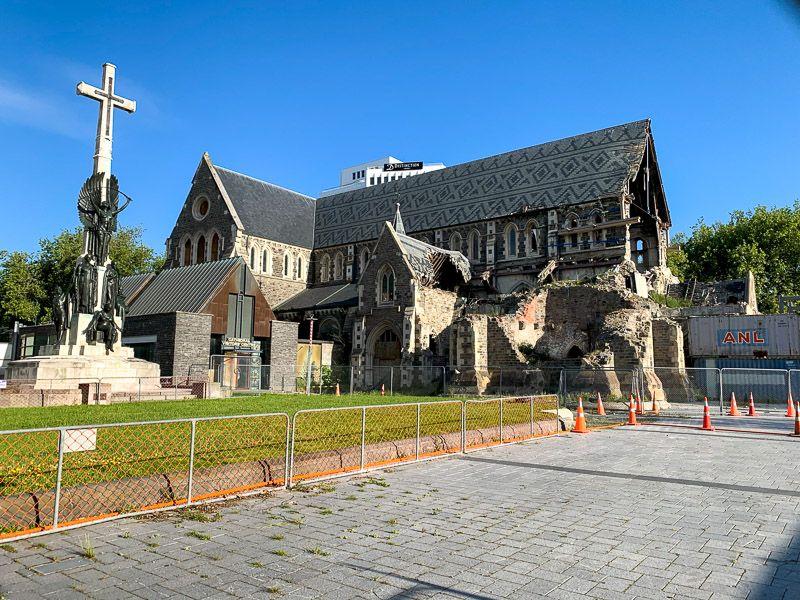 Qué ver en Christchurch: antigua catedral semiderruida por culpa de los terremotos