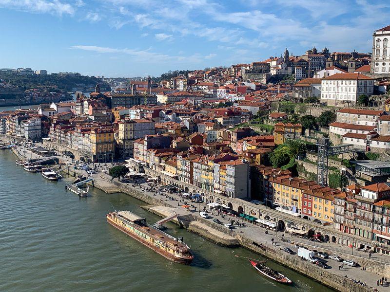Qué ver en Oporto: cais de Ribeira desde la parte alta del Ponte Dom Luis I