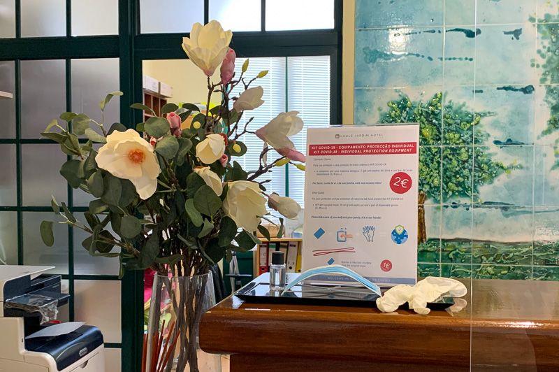 Viajar a Portugal en tiempos de COVID-19: recepción del hotel en el Algarve
