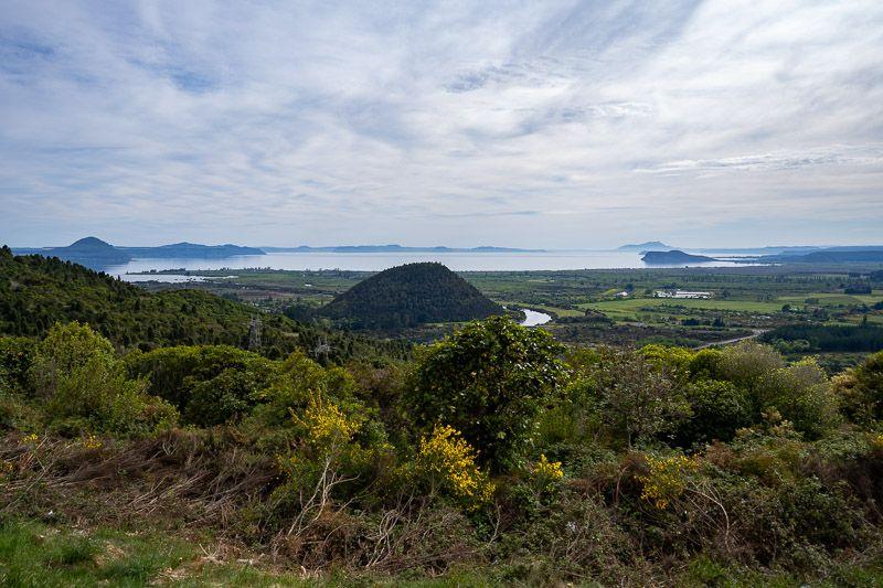 Etapa 18 por NZ entre Taupo y Rotorua: Te Ponanga Saddle View Point