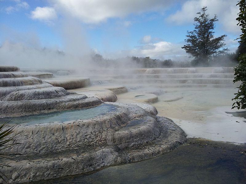 Qué hacer en Taupo: relajarse en Wairakei Terraces